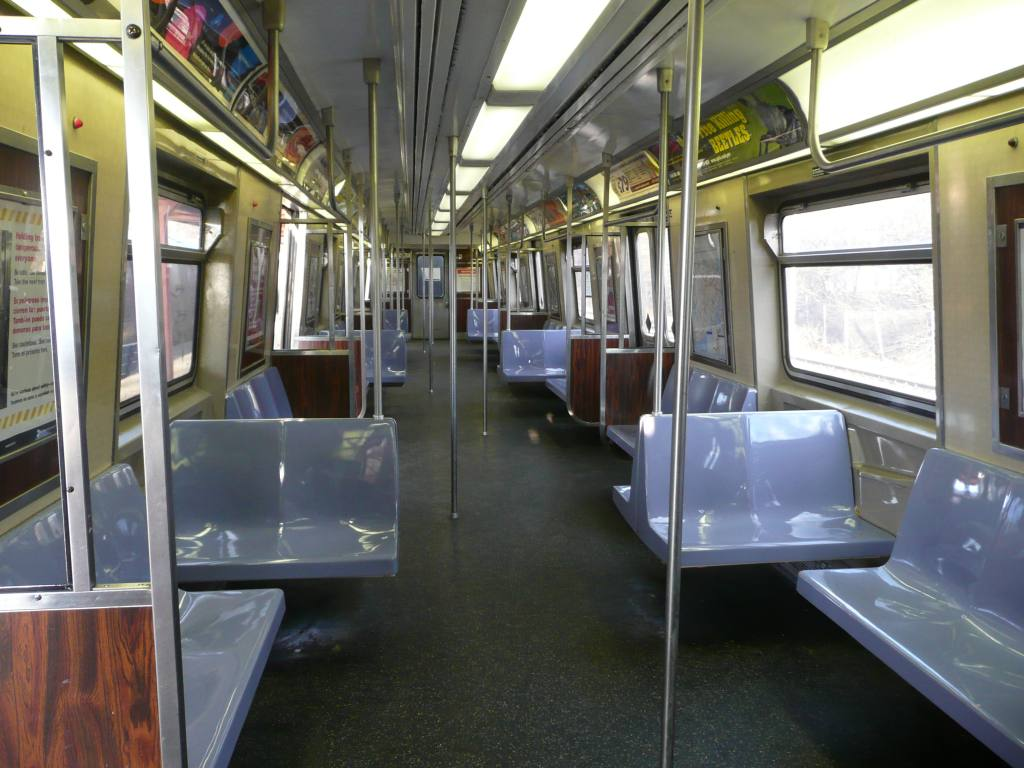 (128k, 1024x768)<br><b>Country:</b> United States<br><b>City:</b> New York<br><b>System:</b> New York City Transit<br><b>Line:</b> SIRT<br><b>Car:</b> R-44 SIRT (St. Louis, 1971-1973) 39 <br><b>Photo by:</b> Robbie Rosenfeld<br><b>Date:</b> 1/20/2010<br><b>Viewed (this week/total):</b> 3 / 1958