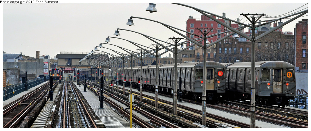 (219k, 1044x442)<br><b>Country:</b> United States<br><b>City:</b> New York<br><b>System:</b> New York City Transit<br><b>Line:</b> BMT Brighton Line<br><b>Location:</b> Ocean Parkway <br><b>Route:</b> B Layup<br><b>Car:</b> R-68A (Kawasaki, 1988-1989)  5018 <br><b>Photo by:</b> Zach Summer<br><b>Date:</b> 1/8/2010<br><b>Notes:</b> With R68A Manhattan-Bound Q<br><b>Viewed (this week/total):</b> 2 / 1253