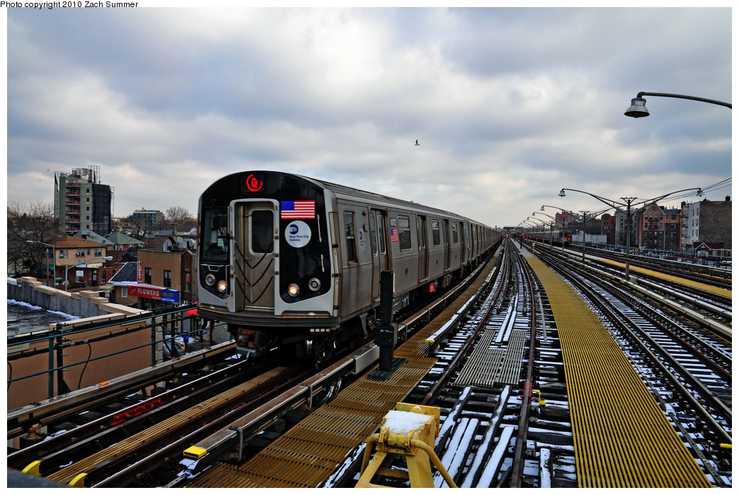(302k, 1044x700)<br><b>Country:</b> United States<br><b>City:</b> New York<br><b>System:</b> New York City Transit<br><b>Line:</b> BMT Brighton Line<br><b>Location:</b> Ocean Parkway <br><b>Route:</b> Q<br><b>Car:</b> R-160A-2 (Alstom, 2005-2008, 5 car sets)  8672 <br><b>Photo by:</b> Zach Summer<br><b>Date:</b> 1/8/2010<br><b>Viewed (this week/total):</b> 1 / 528