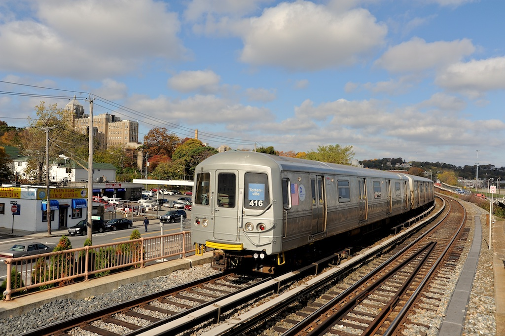 (296k, 1024x681)<br><b>Country:</b> United States<br><b>City:</b> New York<br><b>System:</b> New York City Transit<br><b>Line:</b> SIRT<br><b>Location:</b> Clifton <br><b>Car:</b> R-44 SIRT (St. Louis, 1971-1973) 416 <br><b>Photo by:</b> Richard Panse<br><b>Date:</b> 10/30/2009<br><b>Viewed (this week/total):</b> 1 / 530