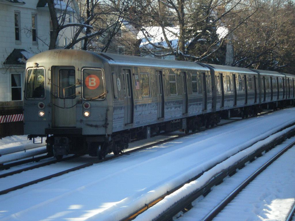 (134k, 1024x768)<br><b>Country:</b> United States<br><b>City:</b> New York<br><b>System:</b> New York City Transit<br><b>Line:</b> BMT Brighton Line<br><b>Location:</b> Avenue H <br><b>Route:</b> B<br><b>Car:</b> R-68A (Kawasaki, 1988-1989)  5018 <br><b>Photo by:</b> John Dooley<br><b>Date:</b> 2/11/2010<br><b>Viewed (this week/total):</b> 0 / 1023