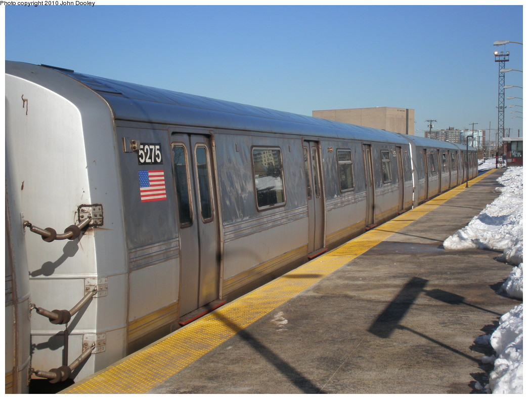 (212k, 1044x788)<br><b>Country:</b> United States<br><b>City:</b> New York<br><b>System:</b> New York City Transit<br><b>Line:</b> IND Rockaway<br><b>Location:</b> Rockaway Park/Beach 116th Street <br><b>Route:</b> S<br><b>Car:</b> R-44 (St. Louis, 1971-73) 5475 <br><b>Photo by:</b> John Dooley<br><b>Date:</b> 2/12/2010<br><b>Viewed (this week/total):</b> 0 / 917