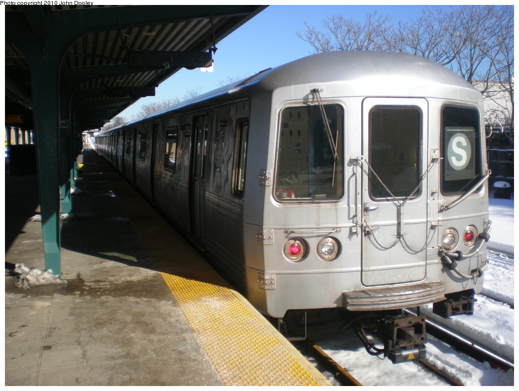 (238k, 1044x788)<br><b>Country:</b> United States<br><b>City:</b> New York<br><b>System:</b> New York City Transit<br><b>Line:</b> IND Rockaway<br><b>Location:</b> Rockaway Park/Beach 116th Street <br><b>Route:</b> S<br><b>Car:</b> R-46 (Pullman-Standard, 1974-75) 6158 <br><b>Photo by:</b> John Dooley<br><b>Date:</b> 2/12/2010<br><b>Viewed (this week/total):</b> 2 / 684