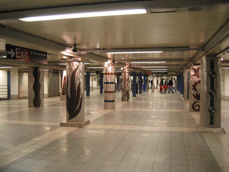 (61k, 750x562)<br><b>Country:</b> United States<br><b>City:</b> New York<br><b>System:</b> New York City Transit<br><b>Line:</b> IND Queens Boulevard Line<br><b>Location:</b> Woodhaven Boulevard/Queens Mall <br><b>Photo by:</b> Robbie Rosenfeld<br><b>Date:</b> 3/14/2005<br><b>Artwork:</b> <i>In Memory of the Lost Battalion</i>, Pablo Tauler (1996).<br><b>Viewed (this week/total):</b> 7 / 4030