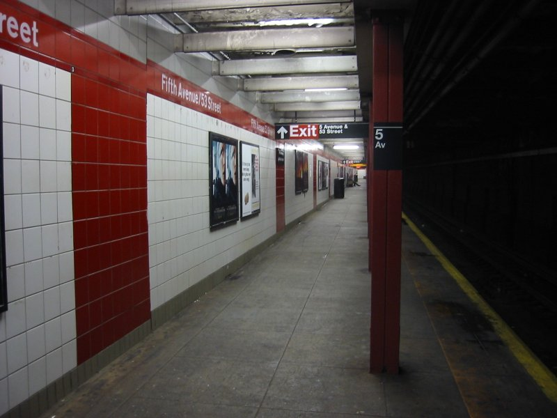 (72k, 800x600)<br><b>Country:</b> United States<br><b>City:</b> New York<br><b>System:</b> New York City Transit<br><b>Line:</b> IND Queens Boulevard Line<br><b>Location:</b> 5th Avenue/53rd Street <br><b>Photo by:</b> Brian Weinberg<br><b>Date:</b> 4/1/2005<br><b>Notes:</b> Lower level<br><b>Viewed (this week/total):</b> 3 / 1727