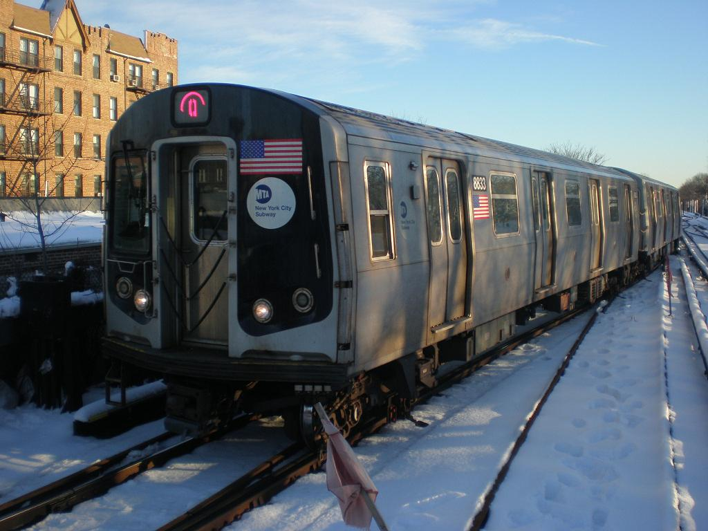 (113k, 1024x768)<br><b>Country:</b> United States<br><b>City:</b> New York<br><b>System:</b> New York City Transit<br><b>Line:</b> BMT Brighton Line<br><b>Location:</b> Kings Highway <br><b>Route:</b> Q<br><b>Car:</b> R-160B (Kawasaki, 2005-2008)  8833 <br><b>Photo by:</b> John Dooley<br><b>Date:</b> 2/11/2010<br><b>Viewed (this week/total):</b> 1 / 773
