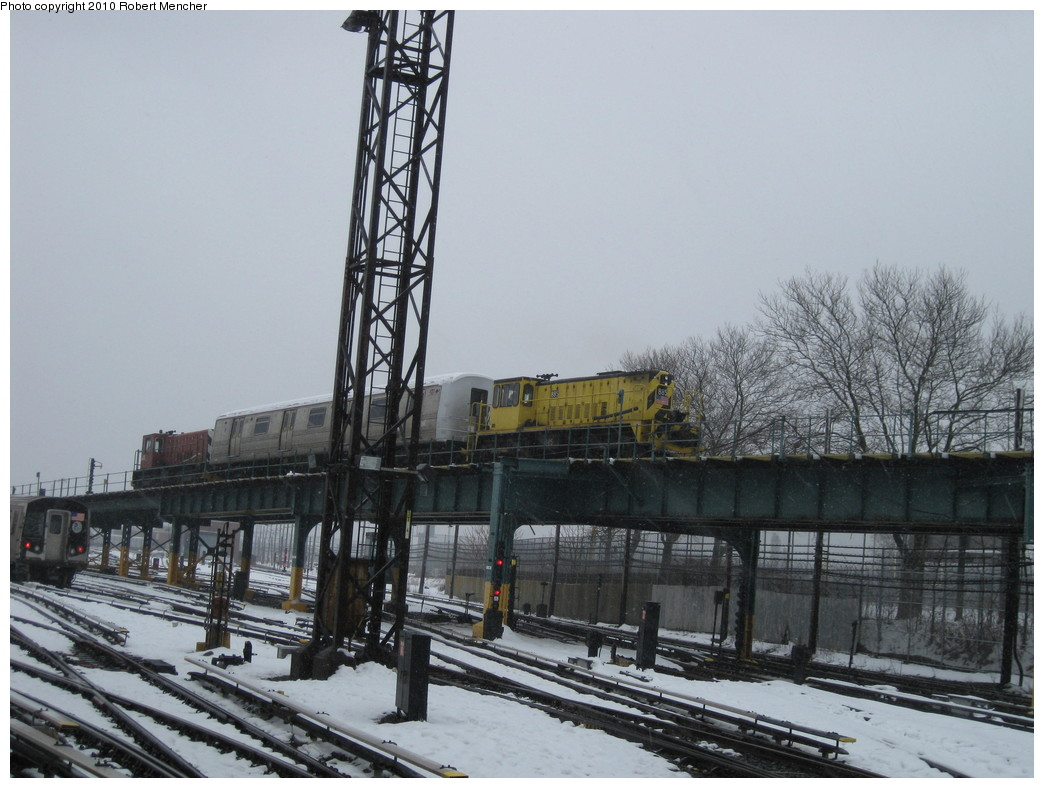 (208k, 1044x788)<br><b>Country:</b> United States<br><b>City:</b> New York<br><b>System:</b> New York City Transit<br><b>Location:</b> Coney Island Yard<br><b>Car:</b> R-77 Locomotive  885 <br><b>Photo by:</b> Robert Mencher<br><b>Date:</b> 2/16/2010<br><b>Viewed (this week/total):</b> 0 / 706