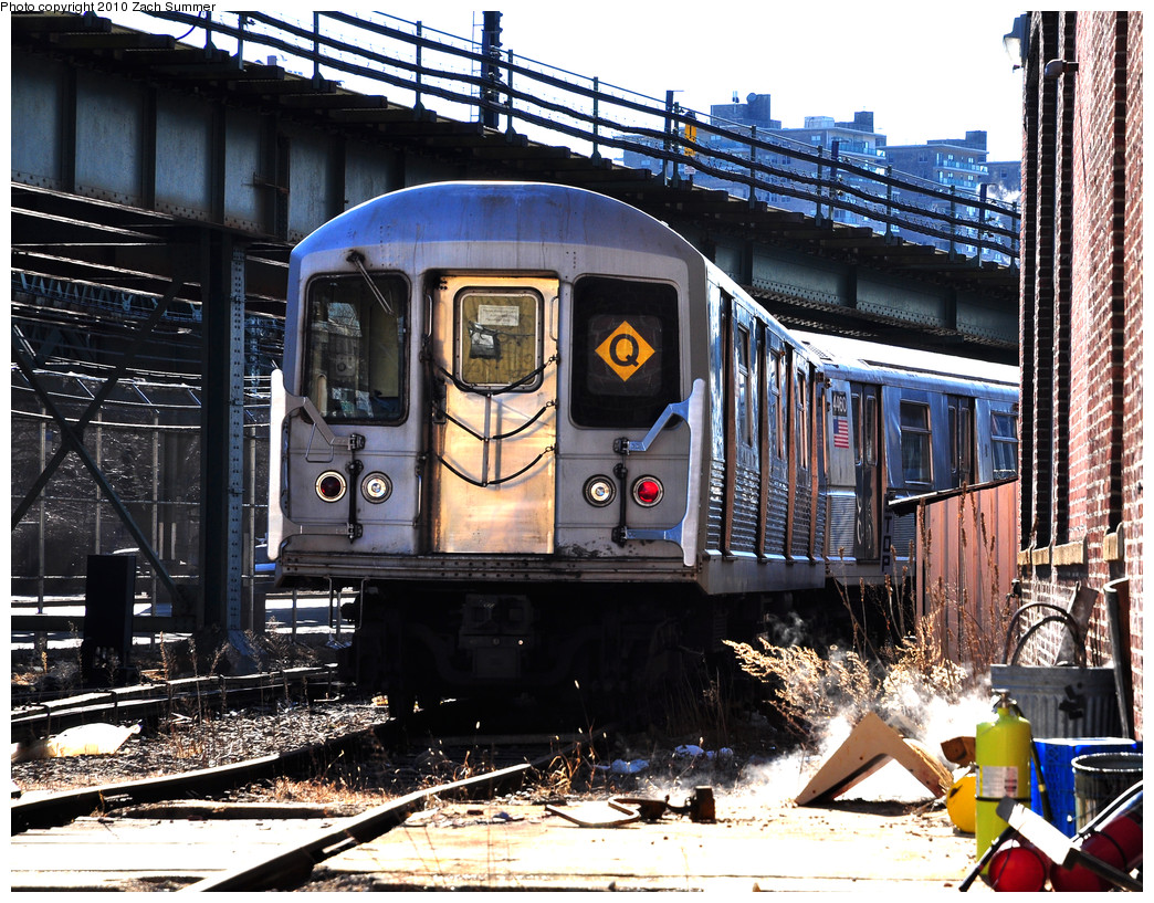 (400k, 1044x817)<br><b>Country:</b> United States<br><b>City:</b> New York<br><b>System:</b> New York City Transit<br><b>Location:</b> Coney Island Yard<br><b>Car:</b> R-42 (St. Louis, 1969-1970)  4665 <br><b>Photo by:</b> Zach Summer<br><b>Date:</b> 1/10/2010<br><b>Viewed (this week/total):</b> 4 / 1745