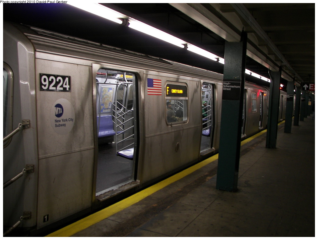 (222k, 1044x788)<br><b>Country:</b> United States<br><b>City:</b> New York<br><b>System:</b> New York City Transit<br><b>Line:</b> IND Fulton Street Line<br><b>Location:</b> Hoyt-Schermerhorn Street <br><b>Route:</b> F reroute<br><b>Car:</b> R-160B (Option 1) (Kawasaki, 2008-2009)  9224 <br><b>Photo by:</b> David-Paul Gerber<br><b>Date:</b> 2/28/2010<br><b>Viewed (this week/total):</b> 0 / 1215