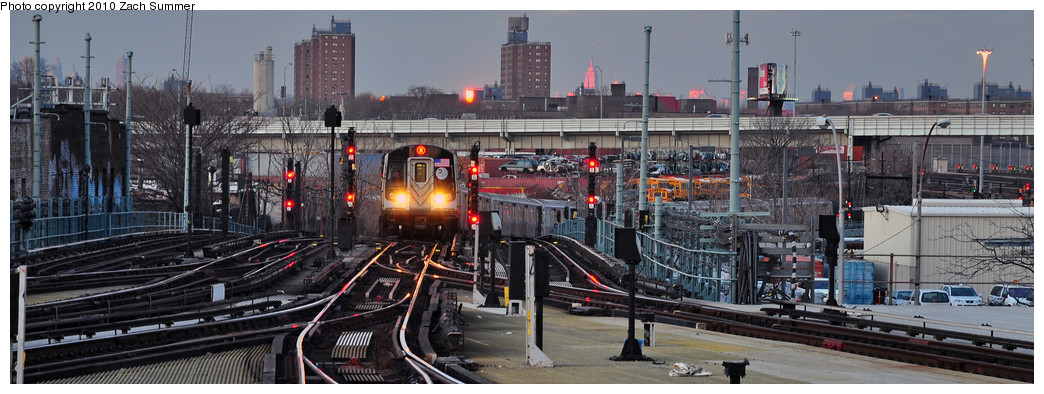 (190k, 1044x394)<br><b>Country:</b> United States<br><b>City:</b> New York<br><b>System:</b> New York City Transit<br><b>Location:</b> Coney Island/Stillwell Avenue<br><b>Route:</b> N<br><b>Car:</b> R-160B (Option 1) (Kawasaki, 2008-2009)  8992 <br><b>Photo by:</b> Zach Summer<br><b>Date:</b> 1/13/2010<br><b>Viewed (this week/total):</b> 0 / 1082