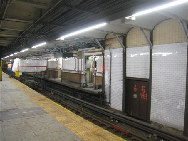 (53k, 640x480)<br><b>Country:</b> United States<br><b>City:</b> New York<br><b>System:</b> New York City Transit<br><b>Line:</b> IRT West Side Line<br><b>Location:</b> 96th Street <br><b>Photo by:</b> David Blair<br><b>Date:</b> 2/20/2010<br><b>Notes:</b> Station renovation.<br><b>Viewed (this week/total):</b> 6 / 964
