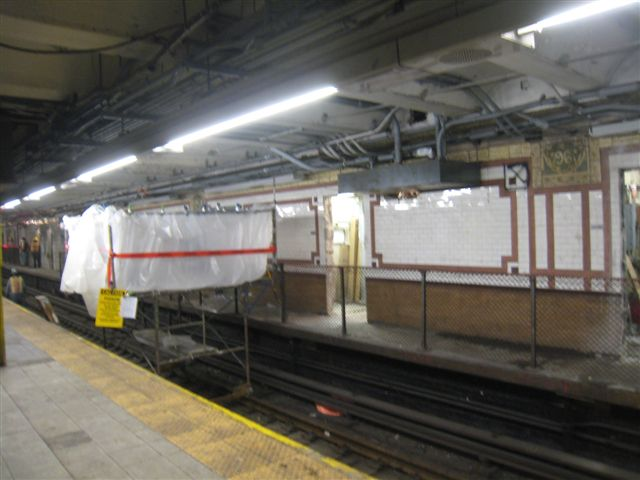 (49k, 640x480)<br><b>Country:</b> United States<br><b>City:</b> New York<br><b>System:</b> New York City Transit<br><b>Line:</b> IRT West Side Line<br><b>Location:</b> 96th Street <br><b>Photo by:</b> David Blair<br><b>Date:</b> 2/20/2010<br><b>Notes:</b> Station renovation.<br><b>Viewed (this week/total):</b> 1 / 971