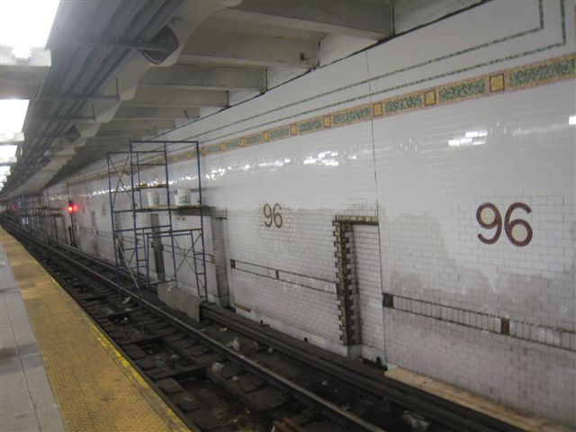 (48k, 640x480)<br><b>Country:</b> United States<br><b>City:</b> New York<br><b>System:</b> New York City Transit<br><b>Line:</b> IRT West Side Line<br><b>Location:</b> 96th Street <br><b>Photo by:</b> David Blair<br><b>Date:</b> 2/21/2010<br><b>Notes:</b> Station renovation.<br><b>Viewed (this week/total):</b> 0 / 416