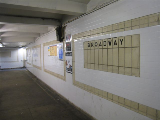 (37k, 640x480)<br><b>Country:</b> United States<br><b>City:</b> New York<br><b>System:</b> New York City Transit<br><b>Line:</b> IRT West Side Line<br><b>Location:</b> 96th Street <br><b>Photo by:</b> David Blair<br><b>Date:</b> 2/21/2010<br><b>Notes:</b> Station renovation.<br><b>Viewed (this week/total):</b> 0 / 313