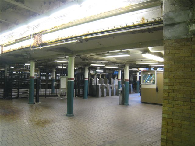(57k, 640x480)<br><b>Country:</b> United States<br><b>City:</b> New York<br><b>System:</b> New York City Transit<br><b>Line:</b> IRT East Side Line<br><b>Location:</b> Astor Place <br><b>Photo by:</b> David Blair<br><b>Date:</b> 2/21/2010<br><b>Notes:</b> Downtown side.<br><b>Viewed (this week/total):</b> 8 / 928