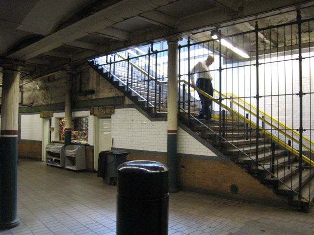 (65k, 640x480)<br><b>Country:</b> United States<br><b>City:</b> New York<br><b>System:</b> New York City Transit<br><b>Line:</b> IRT East Side Line<br><b>Location:</b> Astor Place <br><b>Photo by:</b> David Blair<br><b>Date:</b> 4/24/2007<br><b>Notes:</b> Uptown side.<br><b>Viewed (this week/total):</b> 3 / 666