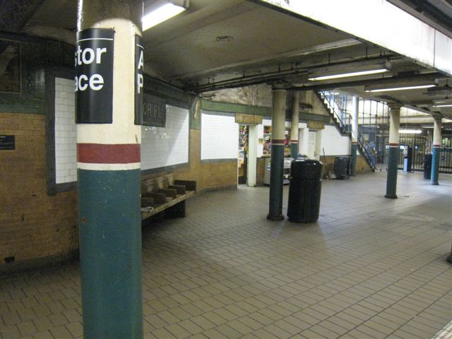 (56k, 640x480)<br><b>Country:</b> United States<br><b>City:</b> New York<br><b>System:</b> New York City Transit<br><b>Line:</b> IRT East Side Line<br><b>Location:</b> Astor Place <br><b>Photo by:</b> David Blair<br><b>Date:</b> 4/24/2007<br><b>Notes:</b> Uptown side.<br><b>Viewed (this week/total):</b> 0 / 656