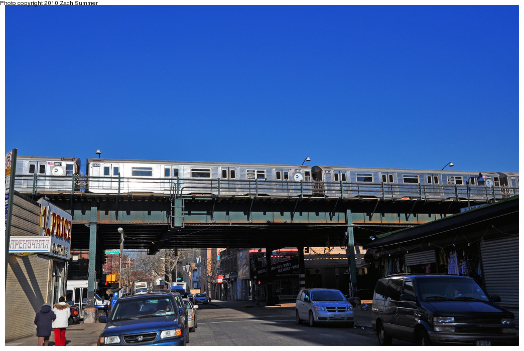 (230k, 1044x700)<br><b>Country:</b> United States<br><b>City:</b> New York<br><b>System:</b> New York City Transit<br><b>Line:</b> BMT Brighton Line<br><b>Location:</b> Brighton Beach <br><b>Route:</b> B Layup<br><b>Car:</b> R-32 (Budd, 1964)  3468/3445 <br><b>Photo by:</b> Zach Summer<br><b>Date:</b> 1/14/2010<br><b>Viewed (this week/total):</b> 0 / 1435