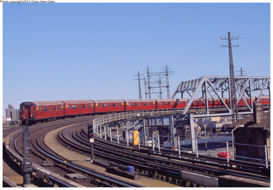 (195k, 1044x728)<br><b>Country:</b> United States<br><b>City:</b> New York<br><b>System:</b> New York City Transit<br><b>Line:</b> IRT Pelham Line<br><b>Location:</b> Whitlock Avenue <br><b>Route:</b> 6<br><b>Car:</b> R-36 World's Fair (St. Louis, 1963-64) 9507 <br><b>Photo by:</b> Chao-Hwa Chen<br><b>Date:</b> 3/6/2000<br><b>Viewed (this week/total):</b> 5 / 880