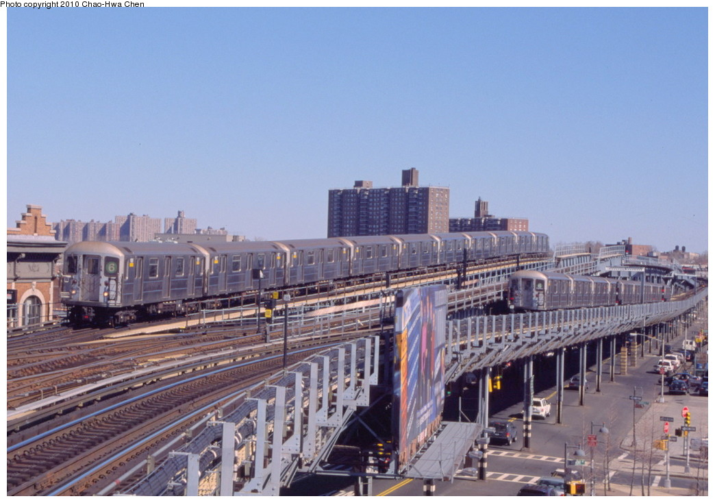 (196k, 1044x734)<br><b>Country:</b> United States<br><b>City:</b> New York<br><b>System:</b> New York City Transit<br><b>Line:</b> IRT Pelham Line<br><b>Location:</b> Westchester Square <br><b>Route:</b> 6<br><b>Car:</b> R-62A (Bombardier, 1984-1987)  1826 <br><b>Photo by:</b> Chao-Hwa Chen<br><b>Date:</b> 3/6/2000<br><b>Viewed (this week/total):</b> 3 / 769