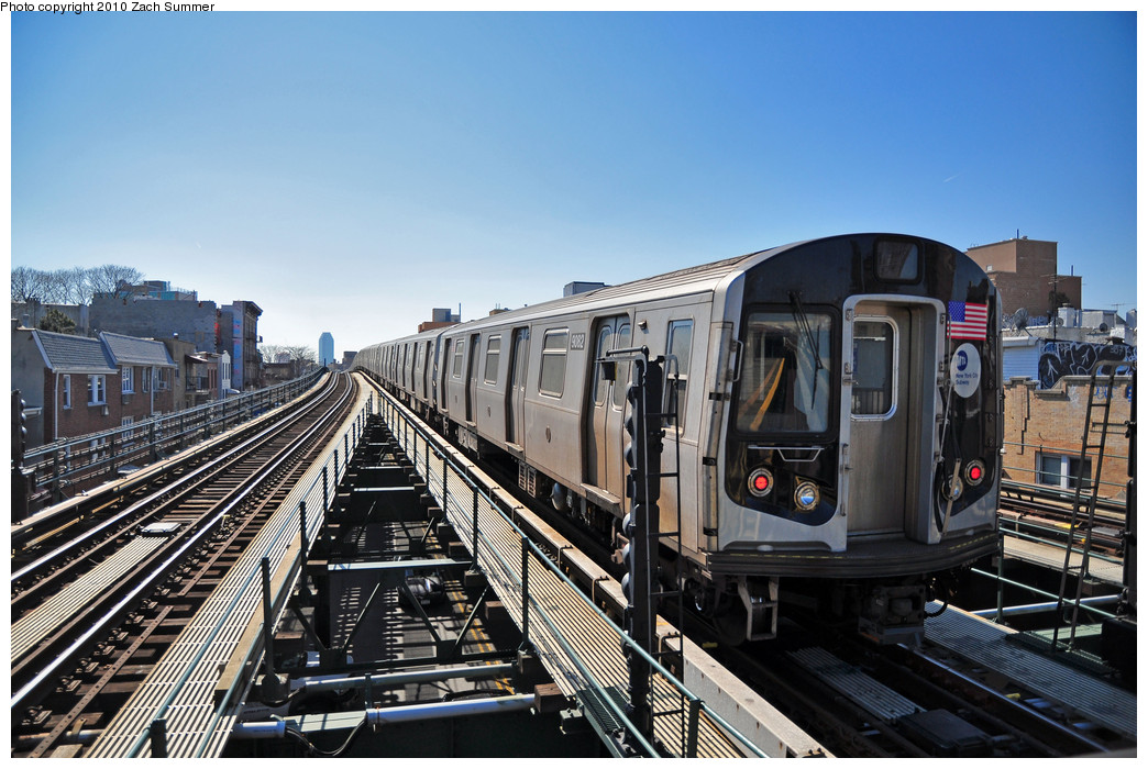 (277k, 1044x700)<br><b>Country:</b> United States<br><b>City:</b> New York<br><b>System:</b> New York City Transit<br><b>Line:</b> BMT Astoria Line<br><b>Location:</b> Astoria Boulevard/Hoyt Avenue <br><b>Route:</b> Layup<br><b>Car:</b> R-160B (Option 1) (Kawasaki, 2008-2009)  9082 <br><b>Photo by:</b> Zach Summer<br><b>Date:</b> 3/7/2010<br><b>Viewed (this week/total):</b> 2 / 720