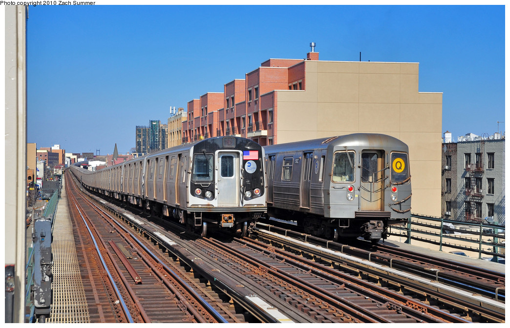 (291k, 1044x672)<br><b>Country:</b> United States<br><b>City:</b> New York<br><b>System:</b> New York City Transit<br><b>Line:</b> BMT Astoria Line<br><b>Location:</b> Broadway <br><b>Route:</b> Q<br><b>Car:</b> R-68A (Kawasaki, 1988-1989)  5102 <br><b>Photo by:</b> Zach Summer<br><b>Date:</b> 3/7/2010<br><b>Notes:</b> With an R160A/B Layup. Q Trains Extended from 57 St/7 Av to Ditmars Blvd<br><b>Viewed (this week/total):</b> 0 / 791