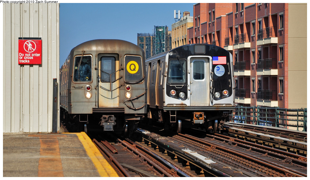 (276k, 1044x605)<br><b>Country:</b> United States<br><b>City:</b> New York<br><b>System:</b> New York City Transit<br><b>Line:</b> BMT Astoria Line<br><b>Location:</b> Broadway <br><b>Route:</b> Q<br><b>Car:</b> R-68A (Kawasaki, 1988-1989)  5096 <br><b>Photo by:</b> Zach Summer<br><b>Date:</b> 3/7/2010<br><b>Notes:</b> With an R160A/B Layup. Q Trains Extended from 57 St/7 Av to Ditmars Blvd<br><b>Viewed (this week/total):</b> 8 / 1022