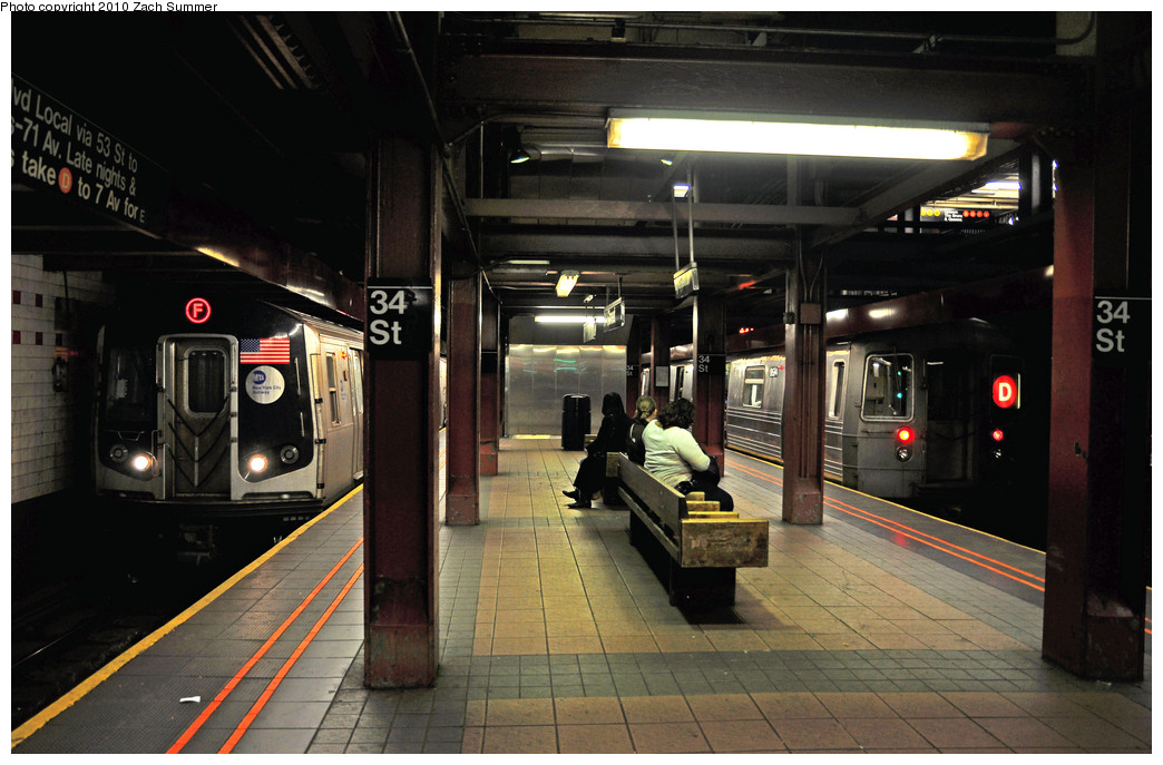 (235k, 1044x687)<br><b>Country:</b> United States<br><b>City:</b> New York<br><b>System:</b> New York City Transit<br><b>Line:</b> IND 6th Avenue Line<br><b>Location:</b> 34th Street/Herald Square <br><b>Route:</b> D<br><b>Car:</b> R-68 (Westinghouse-Amrail, 1986-1988)  2674 <br><b>Photo by:</b> Zach Summer<br><b>Date:</b> 3/7/2010<br><b>Notes:</b> R160A 9532 on the F / D Train Service split between 34 St & Pacific St<br><b>Viewed (this week/total):</b> 0 / 1775