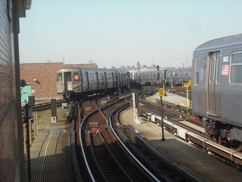 (89k, 800x600)<br><b>Country:</b> United States<br><b>City:</b> New York<br><b>System:</b> New York City Transit<br><b>Location:</b> Coney Island/Stillwell Avenue<br><b>Photo by:</b> Alize Jarrett<br><b>Date:</b> 3/20/2010<br><b>Notes:</b> R68 on D and two R160 trains.<br><b>Viewed (this week/total):</b> 6 / 623