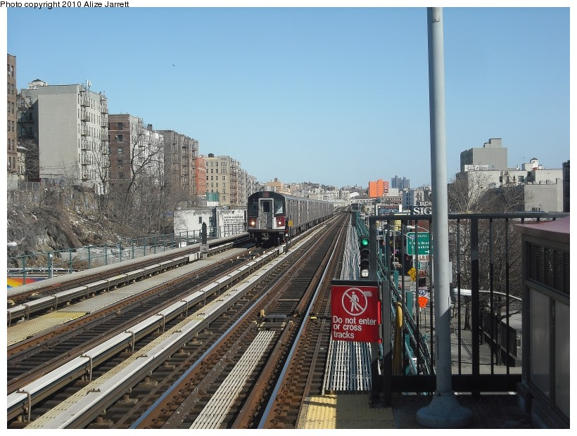 (166k, 820x620)<br><b>Country:</b> United States<br><b>City:</b> New York<br><b>System:</b> New York City Transit<br><b>Line:</b> IRT Woodlawn Line<br><b>Location:</b> Mt. Eden Avenue <br><b>Route:</b> 4<br><b>Car:</b> R-142 or R-142A (Number Unknown)  <br><b>Photo by:</b> Alize Jarrett<br><b>Date:</b> 3/7/2010<br><b>Viewed (this week/total):</b> 5 / 853