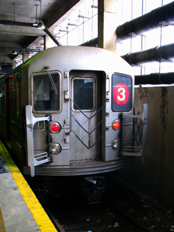 (102k, 600x800)<br><b>Country:</b> United States<br><b>City:</b> New York<br><b>System:</b> New York City Transit<br><b>Line:</b> IRT Lenox Line<br><b>Location:</b> 148th Street/Lenox Terminal <br><b>Route:</b> 3<br><b>Car:</b> R-62 (Kawasaki, 1983-1985)  1480 <br><b>Photo by:</b> Bill E.<br><b>Date:</b> 2/19/2010<br><b>Viewed (this week/total):</b> 2 / 488