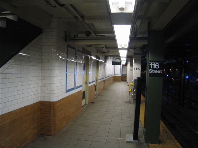 (41k, 640x480)<br><b>Country:</b> United States<br><b>City:</b> New York<br><b>System:</b> New York City Transit<br><b>Line:</b> IRT West Side Line<br><b>Location:</b> 116th Street/Columbia University <br><b>Photo by:</b> David Blair<br><b>Date:</b> 3/7/2007<br><b>Viewed (this week/total):</b> 3 / 446