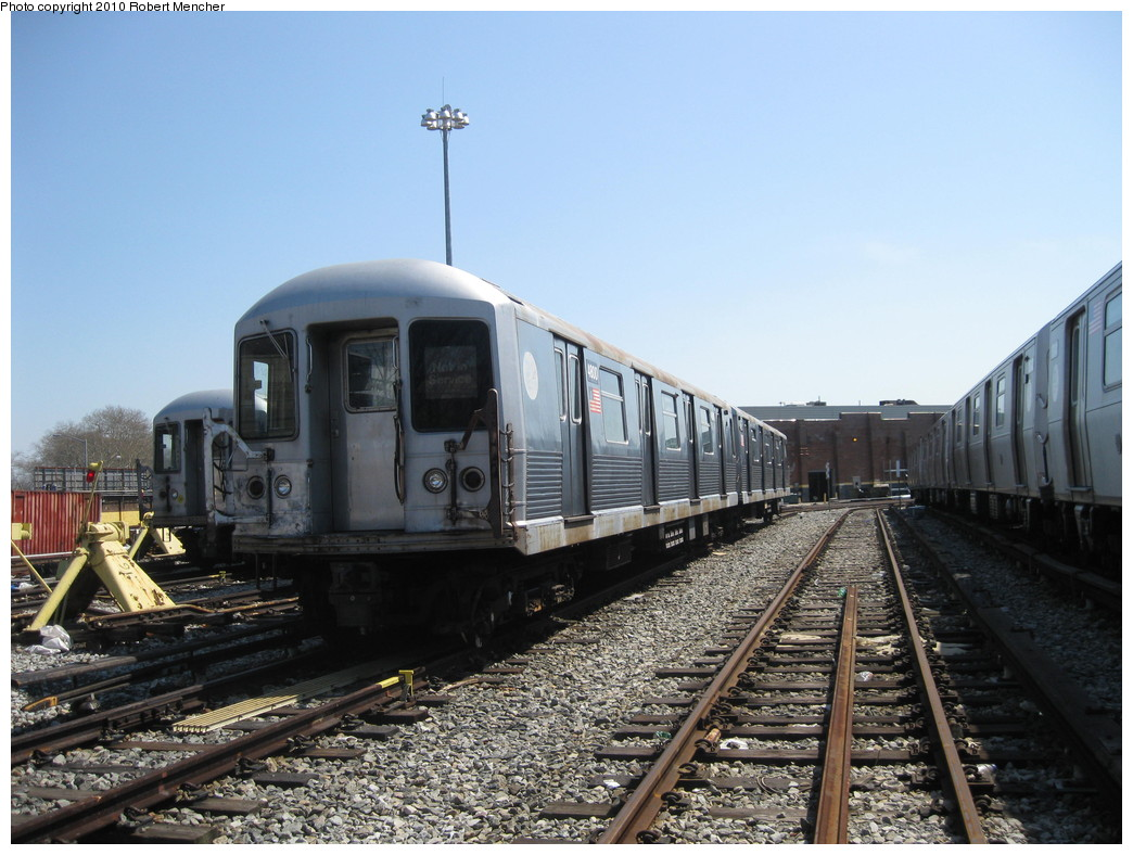 (224k, 1044x788)<br><b>Country:</b> United States<br><b>City:</b> New York<br><b>System:</b> New York City Transit<br><b>Location:</b> East New York Yard/Shops<br><b>Car:</b> R-42 (St. Louis, 1969-1970)  4800 <br><b>Photo by:</b> Robert Mencher<br><b>Date:</b> 4/4/2010<br><b>Viewed (this week/total):</b> 0 / 345