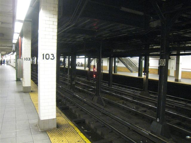(56k, 640x480)<br><b>Country:</b> United States<br><b>City:</b> New York<br><b>System:</b> New York City Transit<br><b>Line:</b> IRT West Side Line<br><b>Location:</b> 103rd Street <br><b>Photo by:</b> David Blair<br><b>Date:</b> 4/1/2008<br><b>Viewed (this week/total):</b> 1 / 451
