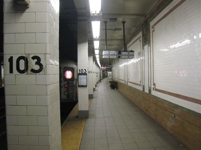 (47k, 640x480)<br><b>Country:</b> United States<br><b>City:</b> New York<br><b>System:</b> New York City Transit<br><b>Line:</b> IRT West Side Line<br><b>Location:</b> 103rd Street <br><b>Photo by:</b> David Blair<br><b>Date:</b> 3/24/2009<br><b>Viewed (this week/total):</b> 0 / 412