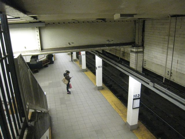 (56k, 640x480)<br><b>Country:</b> United States<br><b>City:</b> New York<br><b>System:</b> New York City Transit<br><b>Line:</b> IRT West Side Line<br><b>Location:</b> 103rd Street <br><b>Photo by:</b> David Blair<br><b>Date:</b> 3/24/2009<br><b>Viewed (this week/total):</b> 1 / 566