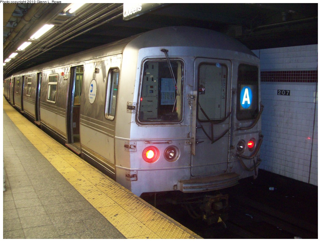 (203k, 1044x788)<br><b>Country:</b> United States<br><b>City:</b> New York<br><b>System:</b> New York City Transit<br><b>Line:</b> IND 8th Avenue Line<br><b>Location:</b> 207th Street <br><b>Route:</b> A<br><b>Car:</b> R-44 (St. Louis, 1971-73) 5434 <br><b>Photo by:</b> Glenn L. Rowe<br><b>Date:</b> 4/30/2010<br><b>Viewed (this week/total):</b> 0 / 282