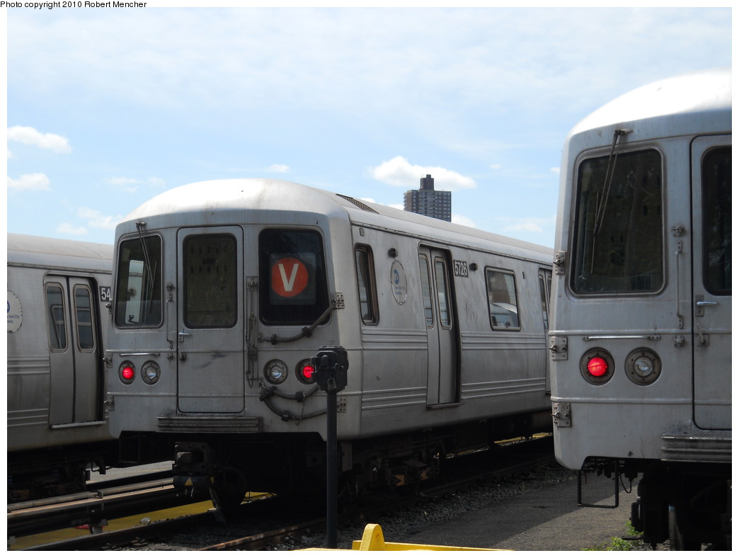 (200k, 1044x788)<br><b>Country:</b> United States<br><b>City:</b> New York<br><b>System:</b> New York City Transit<br><b>Location:</b> Jamaica Yard/Shops<br><b>Car:</b> R-46 (Pullman-Standard, 1974-75) 5726 <br><b>Photo by:</b> Robert Mencher<br><b>Date:</b> 5/15/2010<br><b>Viewed (this week/total):</b> 2 / 485