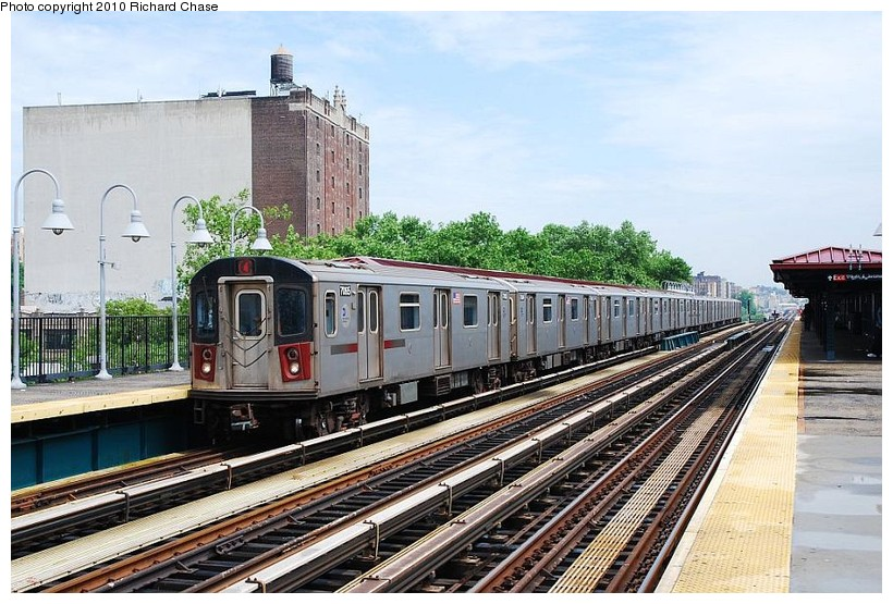 (154k, 820x555)<br><b>Country:</b> United States<br><b>City:</b> New York<br><b>System:</b> New York City Transit<br><b>Line:</b> IRT Woodlawn Line<br><b>Location:</b> 170th Street <br><b>Route:</b> 4<br><b>Car:</b> R-142 or R-142A (Number Unknown)  <br><b>Photo by:</b> Richard Chase<br><b>Date:</b> 5/8/2010<br><b>Viewed (this week/total):</b> 0 / 807