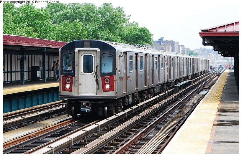 (181k, 820x533)<br><b>Country:</b> United States<br><b>City:</b> New York<br><b>System:</b> New York City Transit<br><b>Line:</b> IRT Woodlawn Line<br><b>Location:</b> 170th Street <br><b>Route:</b> 4<br><b>Car:</b> R-142 or R-142A (Number Unknown)  <br><b>Photo by:</b> Richard Chase<br><b>Date:</b> 5/8/2010<br><b>Viewed (this week/total):</b> 2 / 559