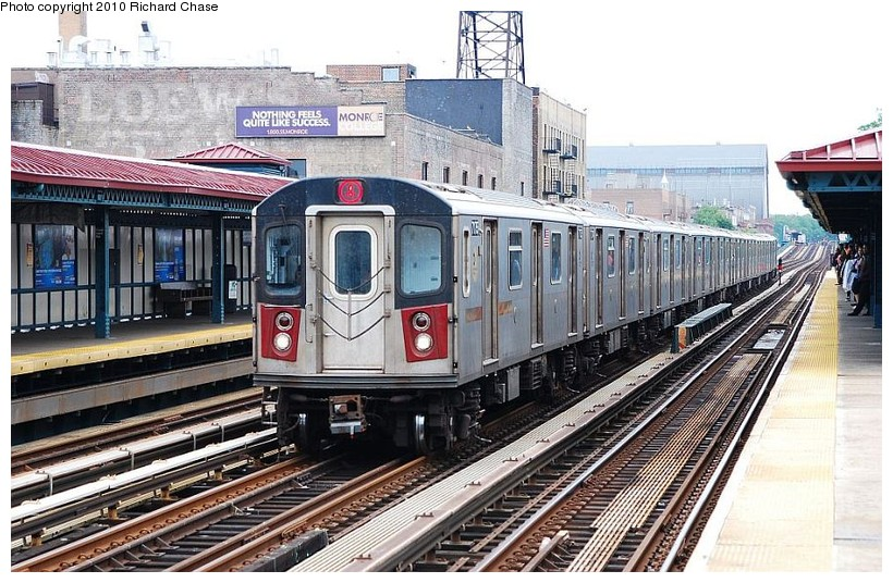 (163k, 820x536)<br><b>Country:</b> United States<br><b>City:</b> New York<br><b>System:</b> New York City Transit<br><b>Line:</b> IRT Woodlawn Line<br><b>Location:</b> Fordham Road <br><b>Route:</b> 4<br><b>Car:</b> R-142 or R-142A (Number Unknown)  <br><b>Photo by:</b> Richard Chase<br><b>Date:</b> 5/8/2010<br><b>Viewed (this week/total):</b> 0 / 663