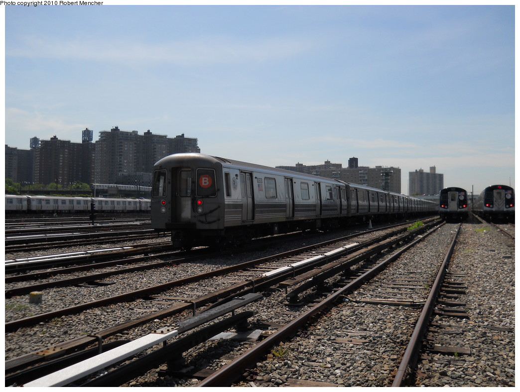 (293k, 1044x788)<br><b>Country:</b> United States<br><b>City:</b> New York<br><b>System:</b> New York City Transit<br><b>Location:</b> Coney Island Yard<br><b>Car:</b> R-68A (Kawasaki, 1988-1989)  5120 <br><b>Photo by:</b> Robert Mencher<br><b>Date:</b> 5/26/2010<br><b>Viewed (this week/total):</b> 2 / 555