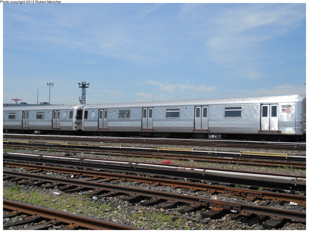 (287k, 1044x788)<br><b>Country:</b> United States<br><b>City:</b> New York<br><b>System:</b> New York City Transit<br><b>Location:</b> Coney Island Yard<br><b>Car:</b> R-44 (St. Louis, 1971-73) 5262 <br><b>Photo by:</b> Robert Mencher<br><b>Date:</b> 5/26/2010<br><b>Notes:</b> R44 cars in hold line--out of service.<br><b>Viewed (this week/total):</b> 0 / 253