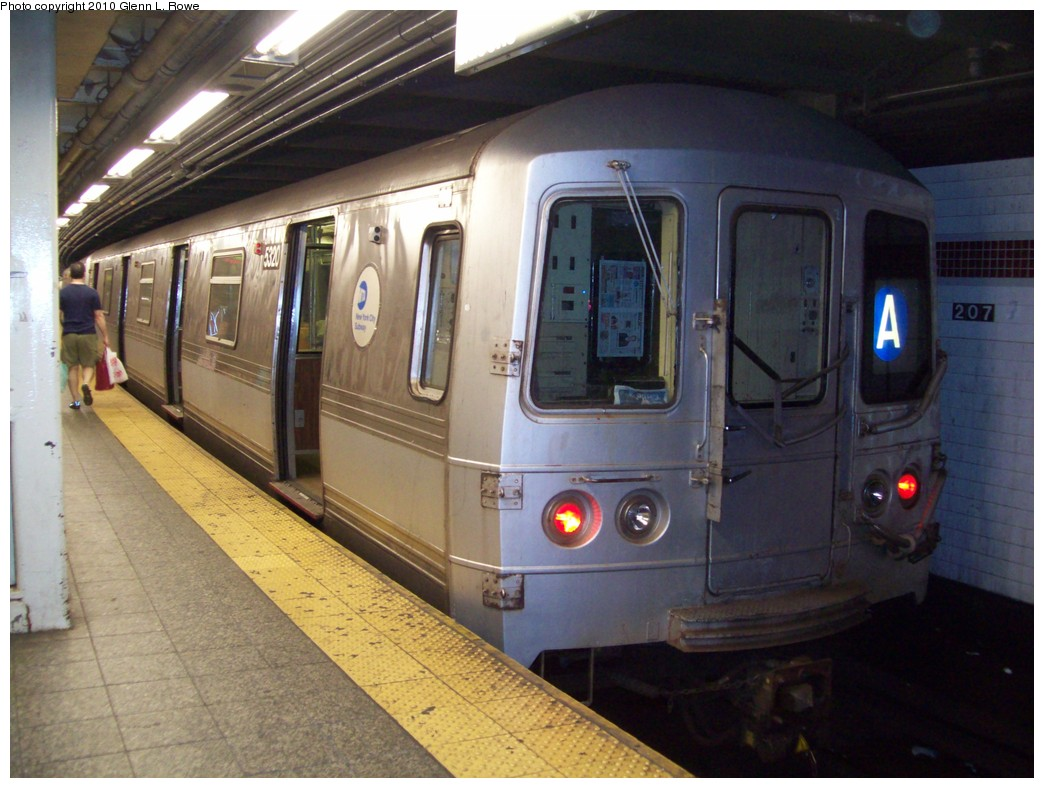 (206k, 1044x788)<br><b>Country:</b> United States<br><b>City:</b> New York<br><b>System:</b> New York City Transit<br><b>Line:</b> IND 8th Avenue Line<br><b>Location:</b> 207th Street <br><b>Route:</b> A<br><b>Car:</b> R-44 (St. Louis, 1971-73) 5320 <br><b>Photo by:</b> Glenn L. Rowe<br><b>Date:</b> 5/21/2010<br><b>Viewed (this week/total):</b> 1 / 989