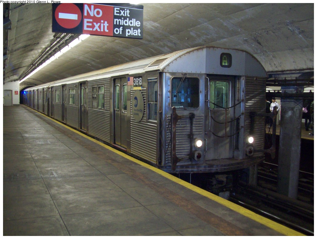 (204k, 1044x788)<br><b>Country:</b> United States<br><b>City:</b> New York<br><b>System:</b> New York City Transit<br><b>Line:</b> IND 8th Avenue Line<br><b>Location:</b> 190th Street/Overlook Terrace <br><b>Route:</b> A<br><b>Car:</b> R-32 (Budd, 1964)  3818 <br><b>Photo by:</b> Glenn L. Rowe<br><b>Date:</b> 5/21/2010<br><b>Viewed (this week/total):</b> 3 / 448