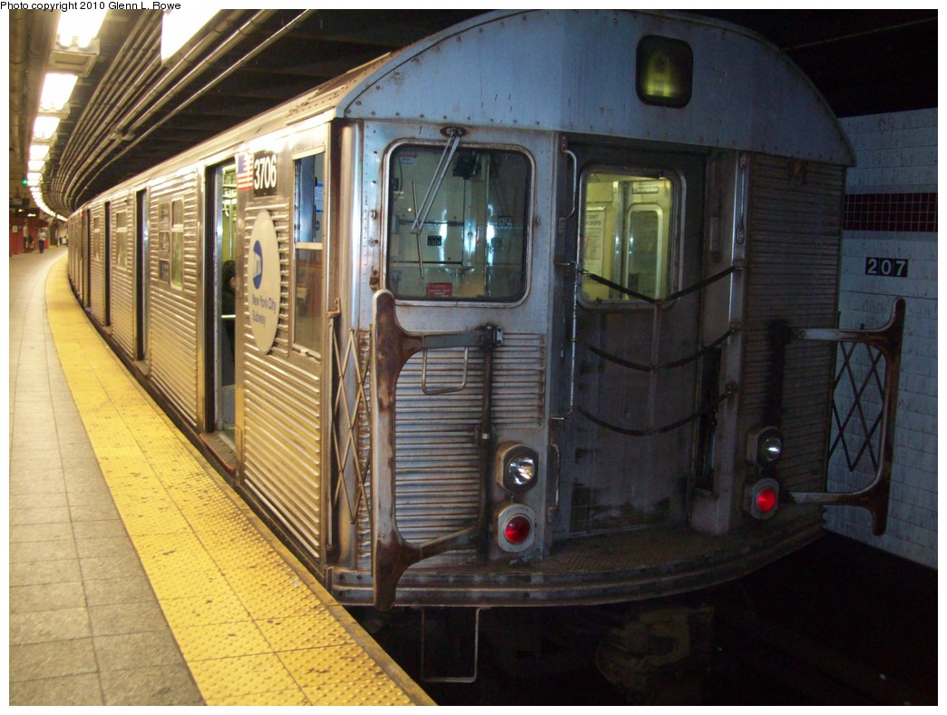 (220k, 1044x788)<br><b>Country:</b> United States<br><b>City:</b> New York<br><b>System:</b> New York City Transit<br><b>Line:</b> IND 8th Avenue Line<br><b>Location:</b> 207th Street <br><b>Route:</b> A<br><b>Car:</b> R-32 (Budd, 1964)  3706 <br><b>Photo by:</b> Glenn L. Rowe<br><b>Date:</b> 5/19/2010<br><b>Viewed (this week/total):</b> 0 / 338