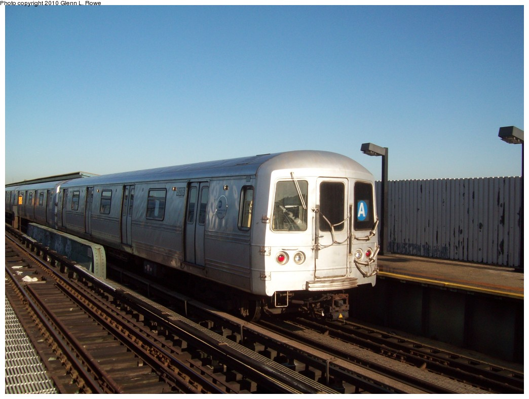 (181k, 1044x788)<br><b>Country:</b> United States<br><b>City:</b> New York<br><b>System:</b> New York City Transit<br><b>Line:</b> IND Fulton Street Line<br><b>Location:</b> 80th Street/Hudson Street <br><b>Route:</b> A<br><b>Car:</b> R-44 (St. Louis, 1971-73) 5276 <br><b>Photo by:</b> Glenn L. Rowe<br><b>Date:</b> 5/13/2010<br><b>Viewed (this week/total):</b> 5 / 326