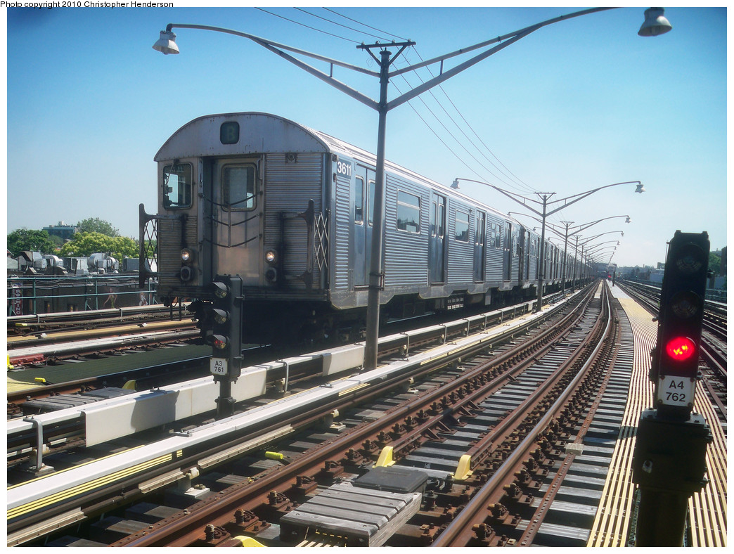 (317k, 1044x788)<br><b>Country:</b> United States<br><b>City:</b> New York<br><b>System:</b> New York City Transit<br><b>Line:</b> BMT Brighton Line<br><b>Location:</b> Ocean Parkway <br><b>Route:</b> B<br><b>Car:</b> R-32 (Budd, 1964)  3611 <br><b>Photo by:</b> Christopher Henderson<br><b>Date:</b> 6/2/2010<br><b>Viewed (this week/total):</b> 1 / 490