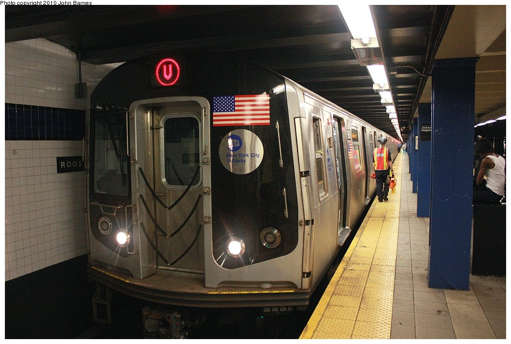 (200k, 1044x703)<br><b>Country:</b> United States<br><b>City:</b> New York<br><b>System:</b> New York City Transit<br><b>Line:</b> IND Queens Boulevard Line<br><b>Location:</b> Roosevelt Avenue <br><b>Route:</b> V<br><b>Car:</b> R-160B (Option 2) (Kawasaki, 2009)  9868 <br><b>Photo by:</b> John Barnes<br><b>Date:</b> 6/26/2010<br><b>Notes:</b> V train final run.<br><b>Viewed (this week/total):</b> 1 / 911