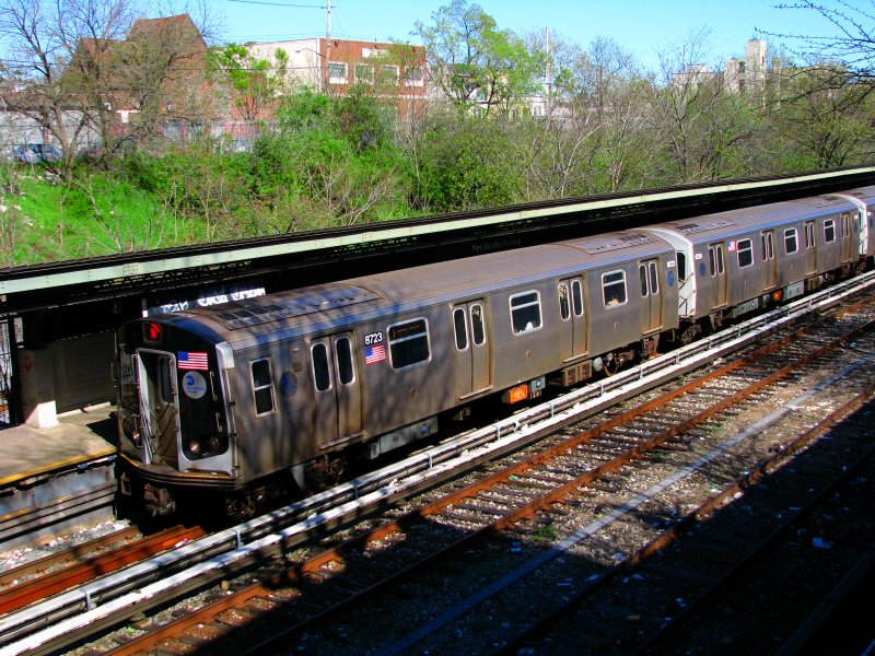 (177k, 800x600)<br><b>Country:</b> United States<br><b>City:</b> New York<br><b>System:</b> New York City Transit<br><b>Line:</b> BMT Sea Beach Line<br><b>Location:</b> Fort Hamilton Parkway <br><b>Route:</b> N<br><b>Car:</b> R-160B (Kawasaki, 2005-2008)  8723 <br><b>Photo by:</b> Bill E.<br><b>Date:</b> 4/10/2010<br><b>Viewed (this week/total):</b> 2 / 660